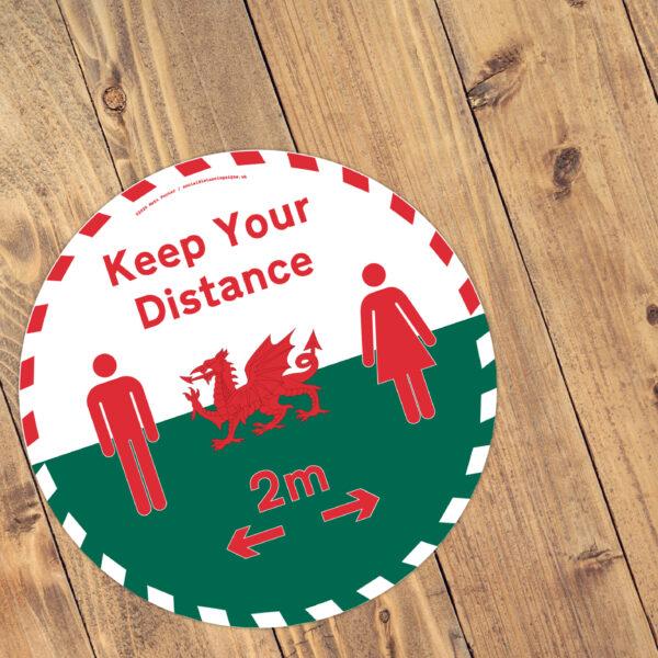 Cadwch Eich Pellter - Keep Your Distance 2m Vinyl Floor Stickers